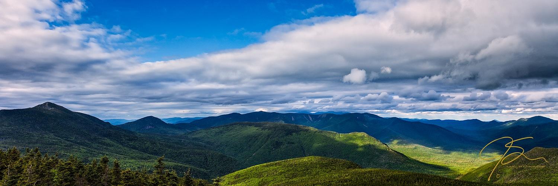 Panoramic photo of the Pemigewasset Wilderness