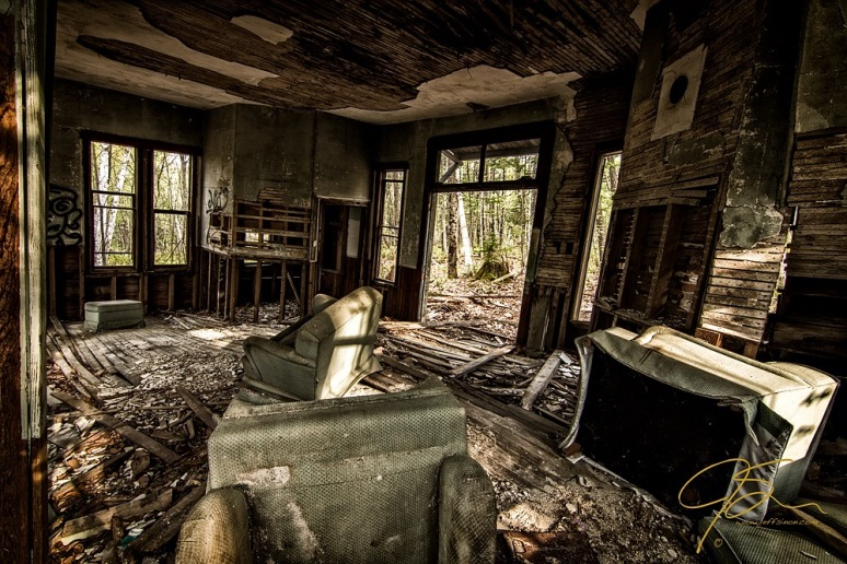 maplewood_depot_interior_1633-HDR-Edit