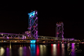 Memorial Bridge, Night.