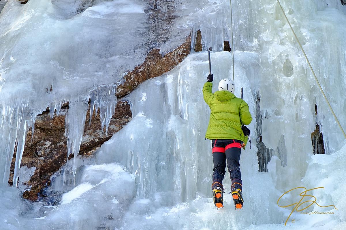 climb_on_ice_climbing_in_crawford_notch_0632