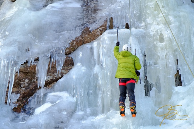 climb_on_ice_climbing_in_crawford_notch_0632