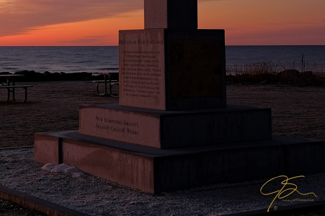 monument_at_sunrise_rye_harbor_state_park_2017-2