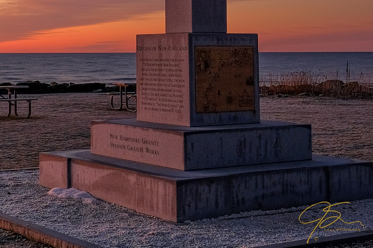 monument_at_sunrise_rye_harbor_state_park_2017-3
