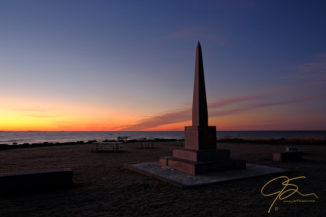 monument_at_sunrise_rye_harbor_state_park_2017