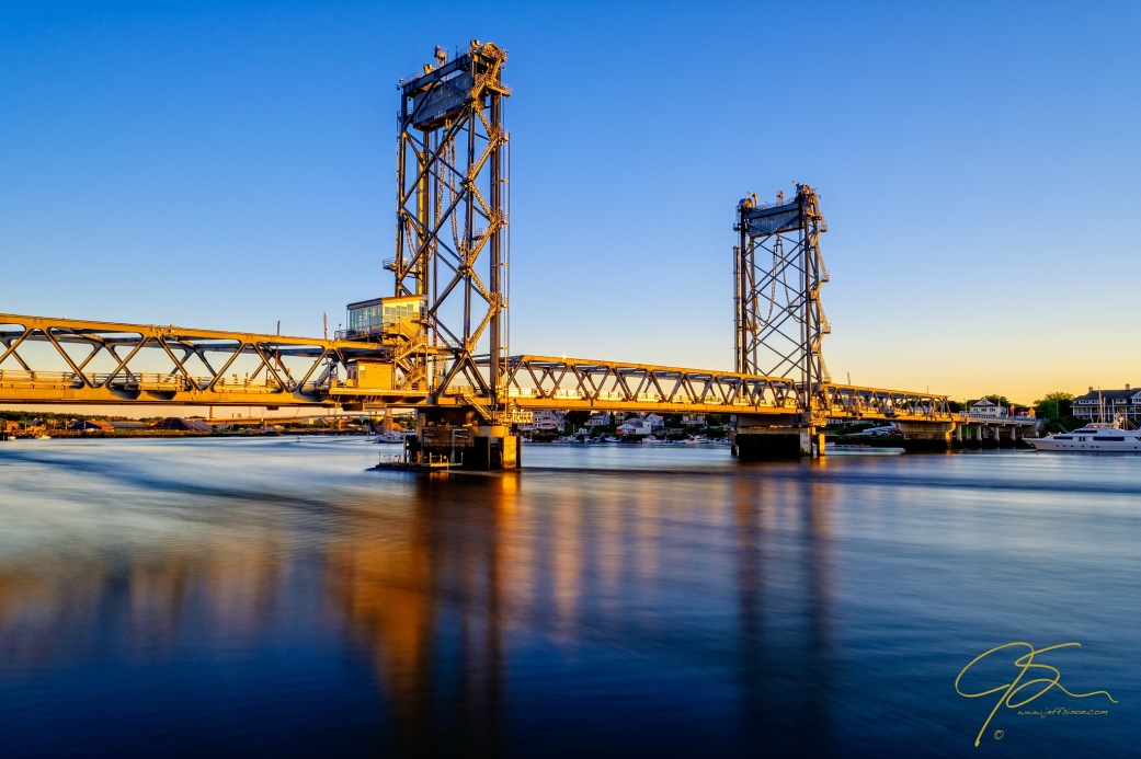 Morning Light, Memorial Bridge.