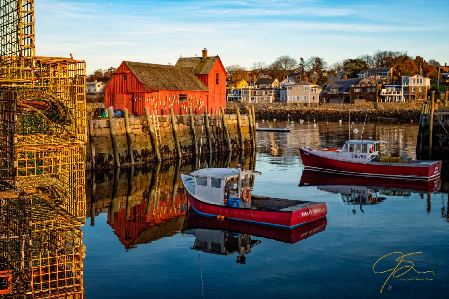 motif no1 with lobster traps and red boats 8444-Edit